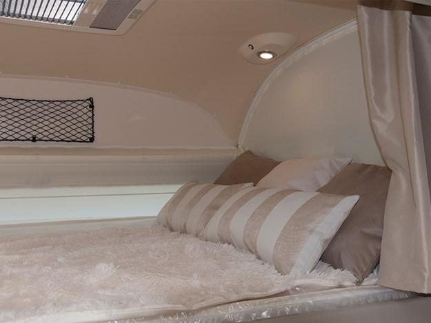 belle chambre du camping car Rapido 8094dF