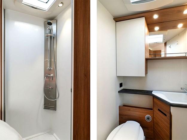 Belle salle de bain pratique du camping car Pilote Pacific P690C
