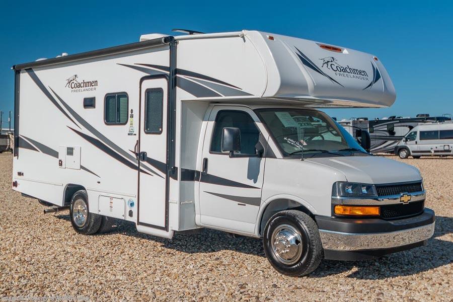 Camping cars qui gagnent à être connus : Coachman freelander 22xg vu de 3/4 côté passager