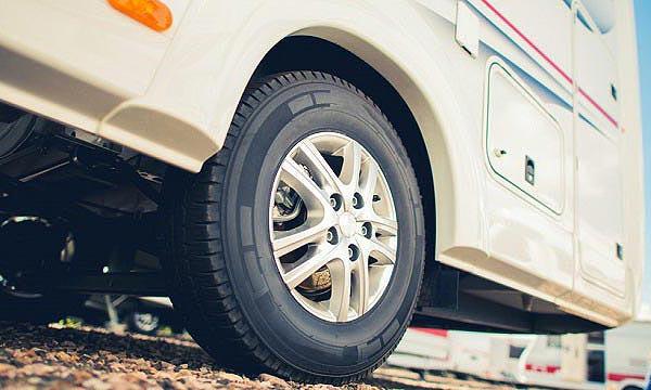 Contrôle des pneus du camping car