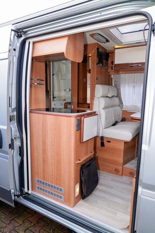 Entree camping car