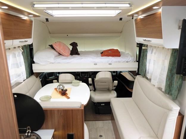 Le lit en position couchage du Pilote Sensation G600L