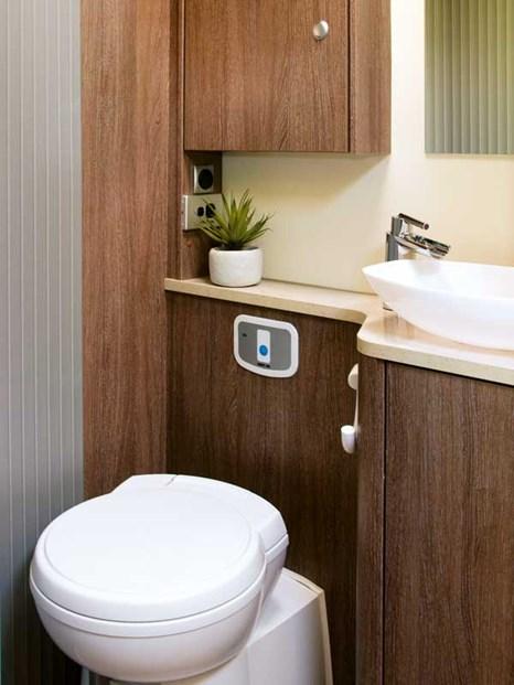 Pratique et compacte salle de bain du Bürstner Ixeo Time IT700