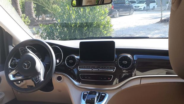 Poste de conduite du Mercedes Benz Marco Polo