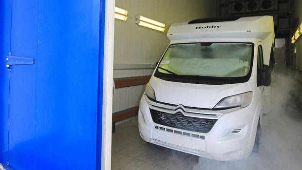 Le Hobby Optima T 65 HKM est parfaitement adapté à l'hiver : ici en test dans une chambre climatique